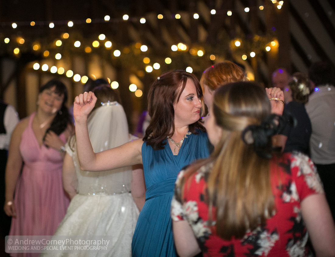 3901-20150815-Wedding Cerys and Jeremy - St James's Church Hildenborough - Plough at Leigh
